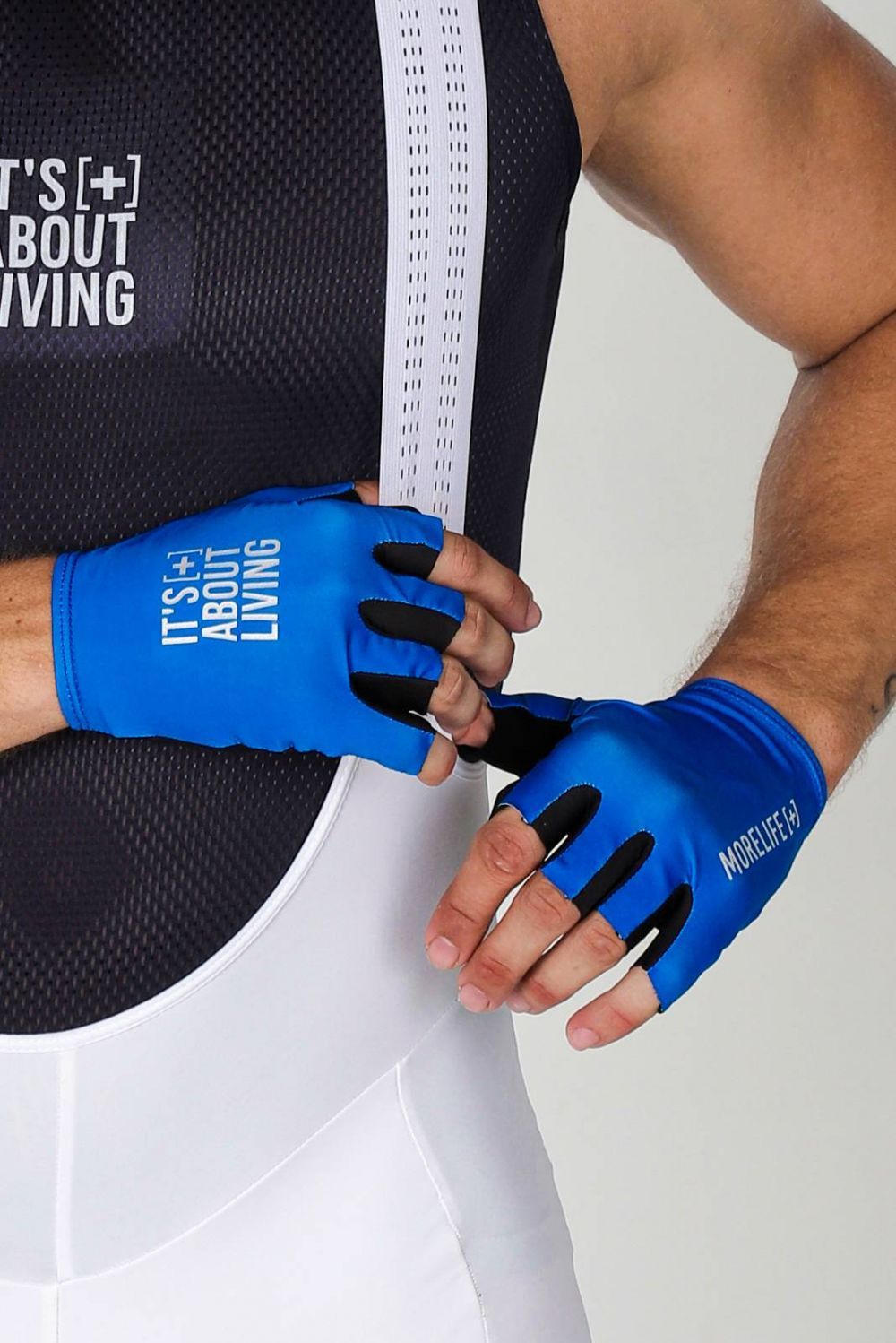 OCEAN BLUE GLOVES
