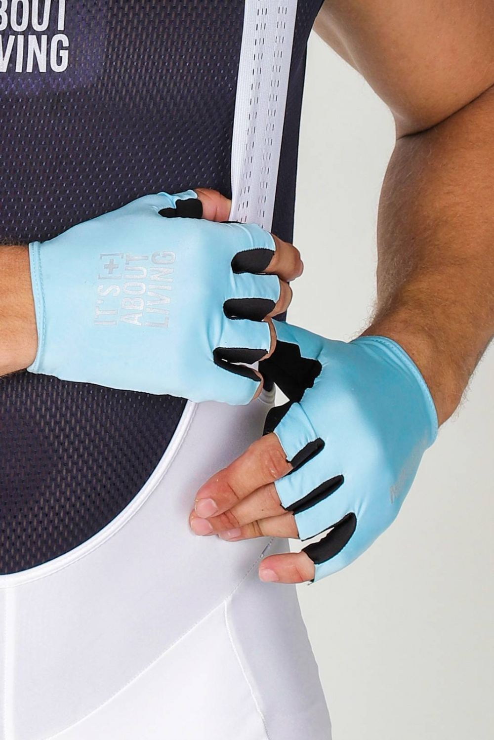 ARCTIC BLUE GLOVES