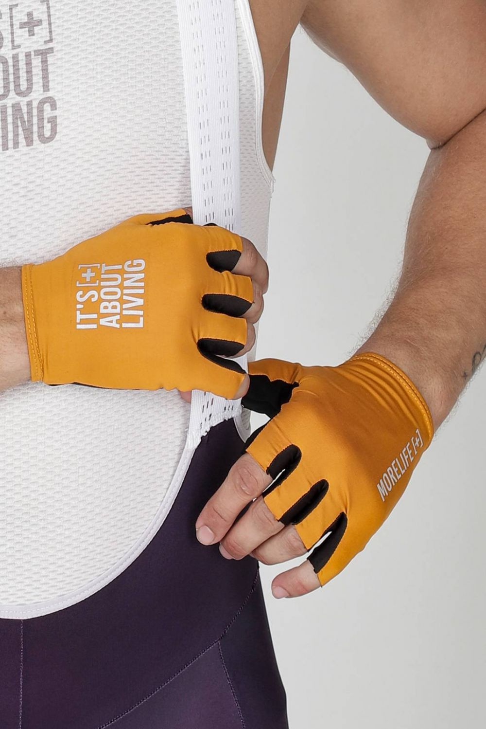 CRAB ORANGE GLOVES
